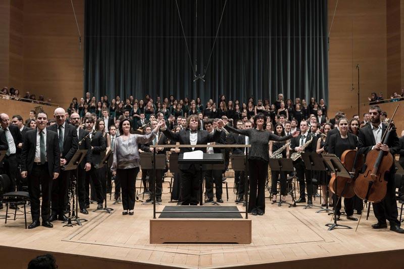 Voxalba Participa En La Simfonia Planet Earth De Johan De Meij, Amb La Banda Municipal De Barcelona (13 De Març De 2016)